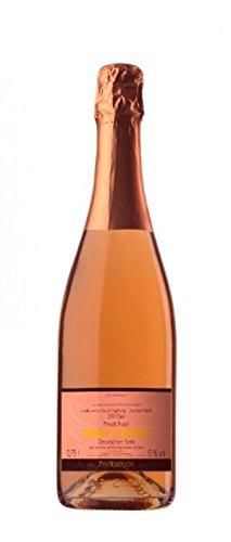 BRUT-ROS-Sekt-aus-Flaschengrung