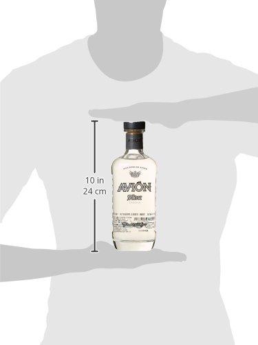 Avin-Silver-Tequila–Hochprozentige-Spirituose-aus-100-blauer-Agave–Feinste-Qualitt-mit-besonders-weichem-und-ausgewogenem-Geschmack–1-x-07-L
