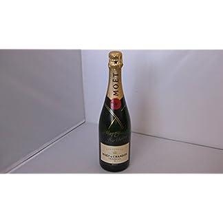 Mot-Chandon-Brut-Imprial-mit-Happy-Birthday-Gravur-Champagner-Flasche-Geburtstags-Edition-Exklusive-Geschenk-Idee-zum-gratulieren-und-verschenken-1-x-075-l