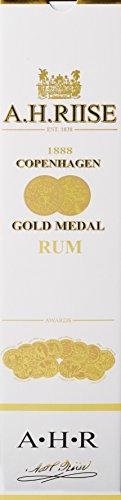 AH-Riise-1888-Copenhagen-Gold-Medal-Rum-1-x-07-l