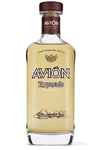 Avin-Reposado-Tequila–Erstklassige-Spirituose-aus-100-blauer-Agave-mit-blumigem-Geschmack–Feinster-Agavenschnaps-6-Monate-im-Eichenfass-gereift–1-x-07-L