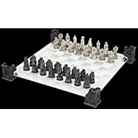 Nemesis-Now-Vampires-Werewolves-Chess-Set-Schachspiel
