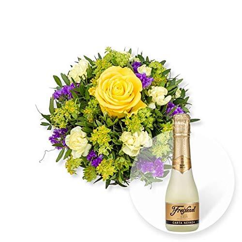 Blumenstrau-Friends-und-Freixenet-Semi-Seco