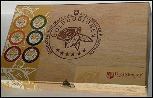 Flasche-Cognac-Hennessy-VS-mit-45-DreiMeister-Edel-Schokoladen-im-Holzkistchen-in-6-edlen-Kakaovariationen-handgemacht-kostenloser-Versand