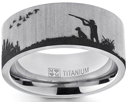 Ultimate Metals Co. Herren titan verlobungsring mit jagd design. Titan Ehering mit lasergeätzten Entenjagd Design. Bequemlichkeit Passen 9mm