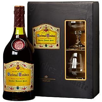 Cardenal-Mendoza-Solera-Gran-Reserva-Brandy-de-Jerez-in-Geschenkverpackung-mit-2-Brandy-Glsern-1-x-07-l