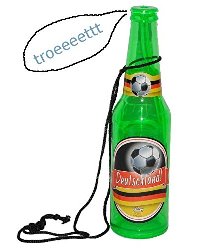 Unbekannt-Trte-als-Bierflasche-Deutschland-Kinder-Fuball-Kindergeburtstag-Party-deutsche-Bier-Flasche-Ball-Pfeife-wie-Trillerpfeife-Feife-Verein-Sport-Spiel-Kinder-Erwachsene
