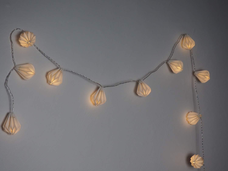 ELUME-Lichterkette-fr-den-Innenbereich-I-12-Origamis-weies-Papier-in-Diamantform-LED-warmwei-I-3-m-lang-I-Stromversorgung-USB-I-Dekoration-Schlafzimmer-Haus-Wohnzimmer