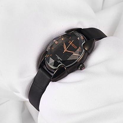 Time100-Damen-Armbanduhr-mit-geschnittem-Karo-Vieflchner-Kristall-Glas-W50010L04A