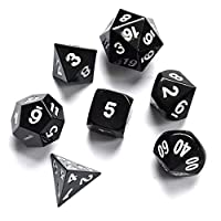 7-teiliges-Metall-Wrfelset-schwarz-mit-weier-Bezifferung-Polyedrisches-Wrfelset-aus-echtem-Metall-in-schwarzer-Metallbox-Table-Top-Brettspiele-Pen-Paper-Rollenspiel-Dungeons-and-Dragons-DnD-Das-Schwar