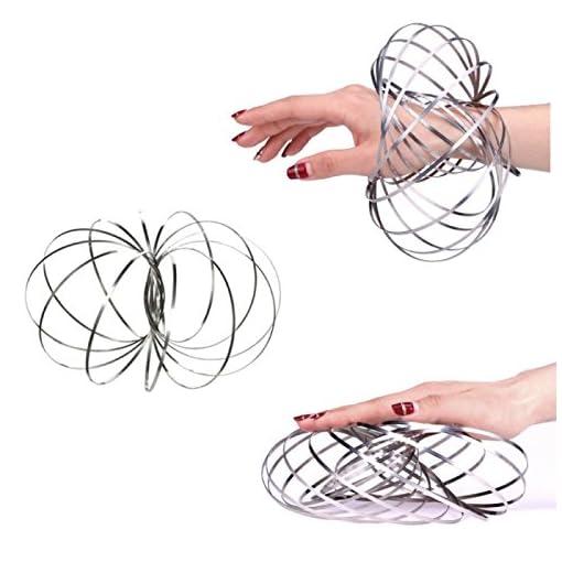 couci-couca–Flow-Rings-Spielzeug-kinetisch-mit-Federung-Edelstahl