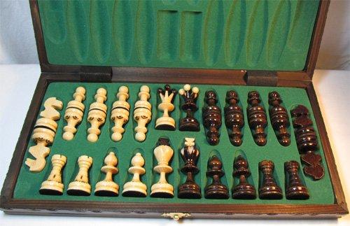 ChessEbook-Schachspiel-aus-Holz-PEARL-34-x-34-cm