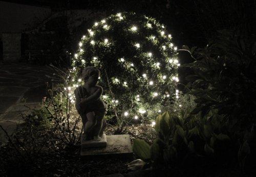 Nipach-GmbH-128-LED-Lichternetz-3×3-m-wei-Trafo-Netzvorhang-Lichtervorhang-Weihnachtsbeleuchtung-Weihnachtsdeko-Party-Partylicht-Pavillonbeleuchtung-Xmas
