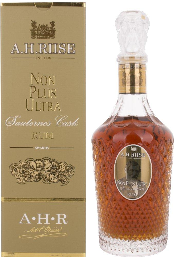 AH-Riise-Non-Plus-Ultra-Sauternes-Cask-Rum-mit-Geschenkverpackung-1-x-07-l