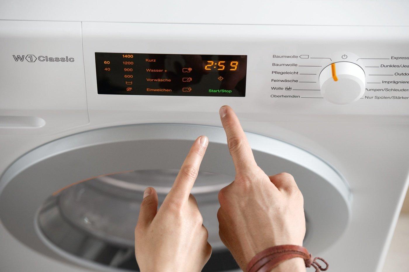 Miele-WDB-005-WCS-Waschmaschine7-kgWeifr-schonendes-WaschenMiele-Waschmaschine-mit-einfacher-Bedienung-per-Fingertipp