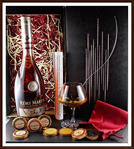 Geschenk-Cognac-Remy-Martin-VSOP-Mature-Cask-Finish-mit-Edel-Schokoladen-Glas-im-Geschenk-Karton-kostenloser-Versand