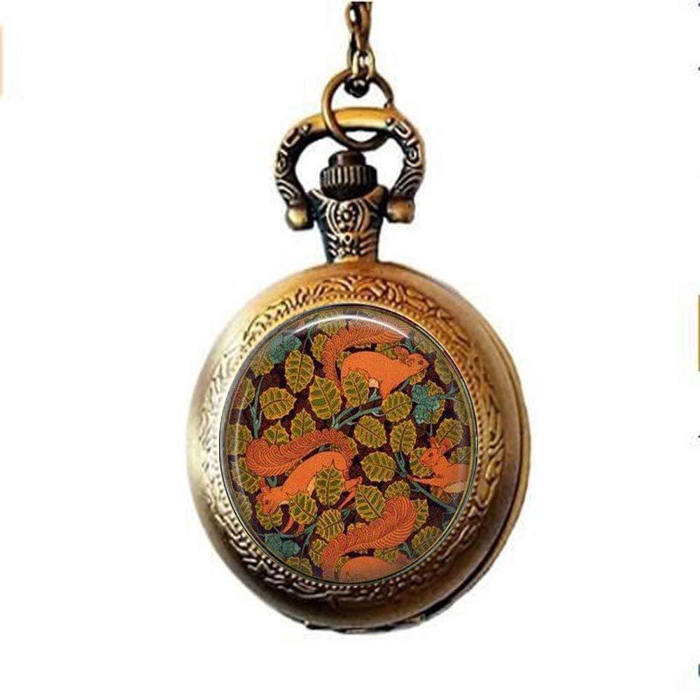 Taschenuhr-Halskette-Eichhrnchen-im-Herbst-Jugendstilschmuck-Eichhrnchen-Design-Taschenuhr-Halskette-Wildtierliebhaber