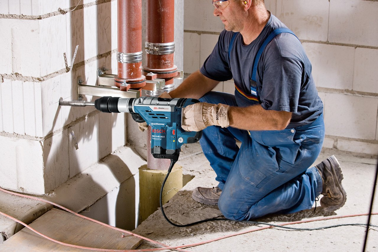 Bosch-Professional-GBH-5-40-DCE-Bohrhammer-1150-W-Nennaufnahmeleistung-88-J-Schlagenergie-1500–3050-min-Schlagzahl-Handwerkerkoffer