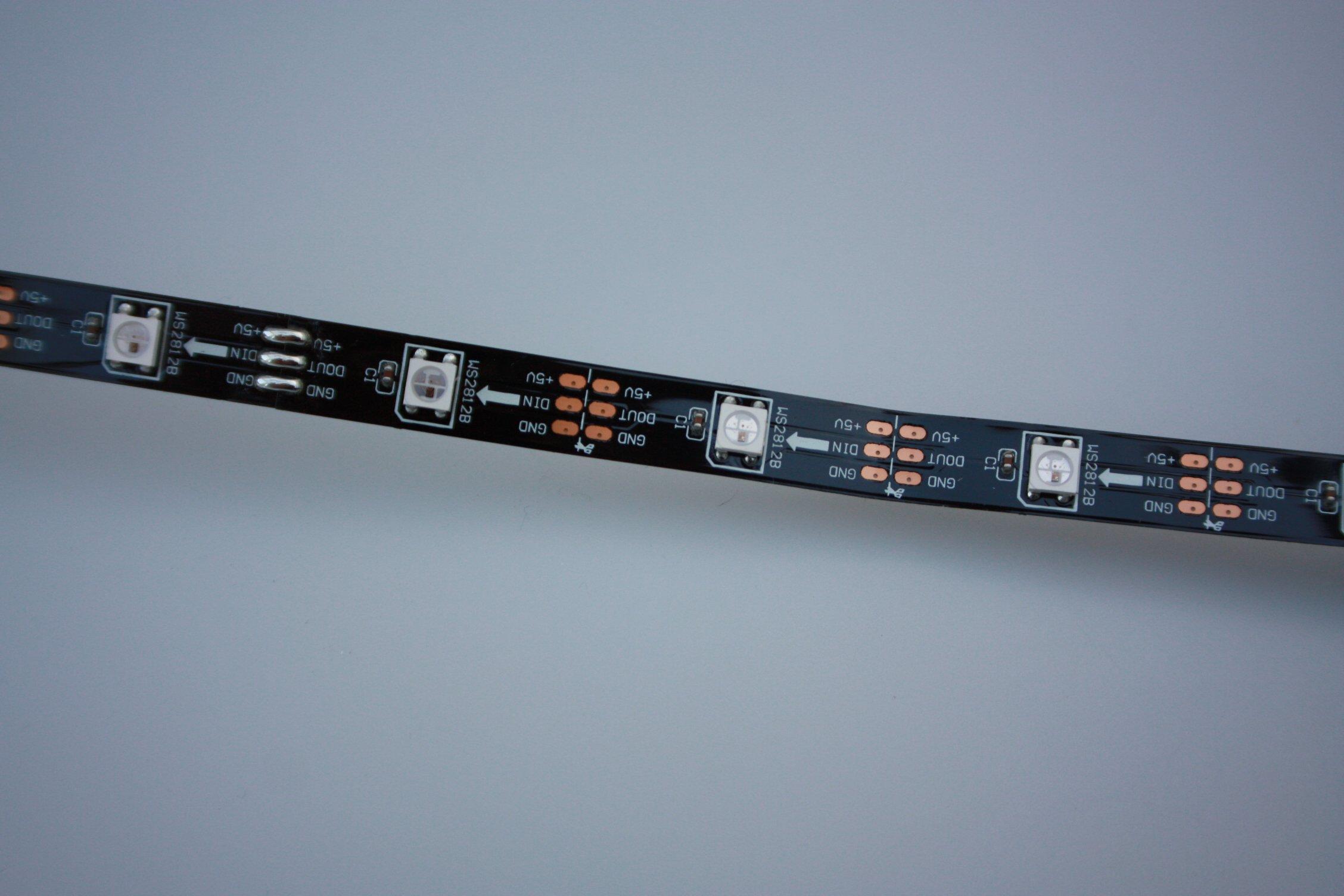 WS2812-B-Stripe-1m-30-LEDs-mit-integrierten-WS2811-Controller-PCB-schwarz