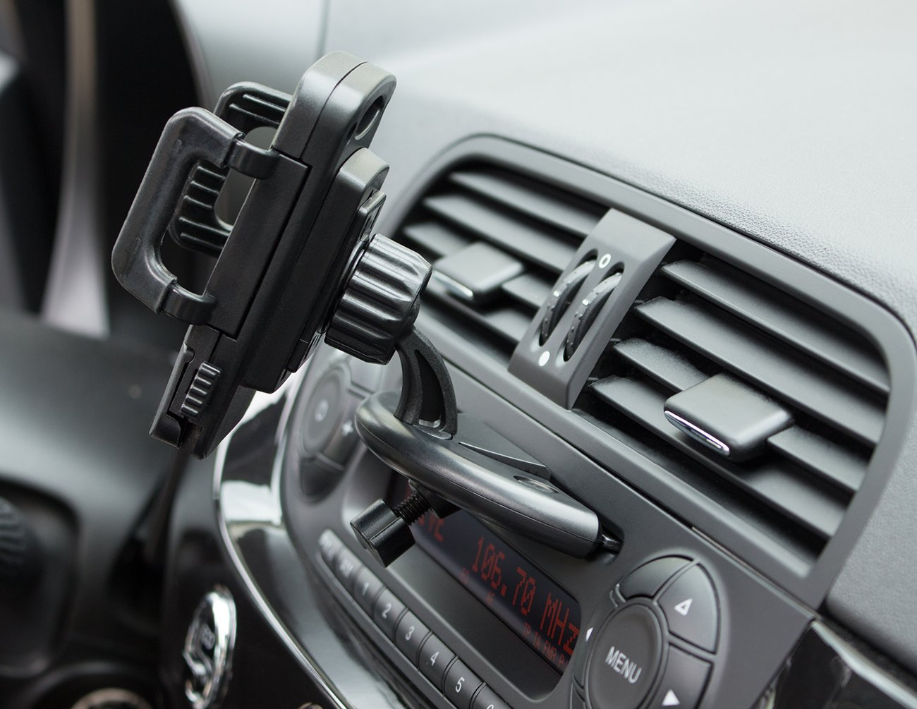grooveclip-CD-Classic-KFZ-Halterung-fr-den-CD-Schlitz-Extra-breit-Auch-fr-breitere-Smartphone-Navi-GPS-Gerte-iPhone-7-6-Plus-uvm-bis-105cm-passt-in-jeden-gewhnlichen-KFZ-CD-Player