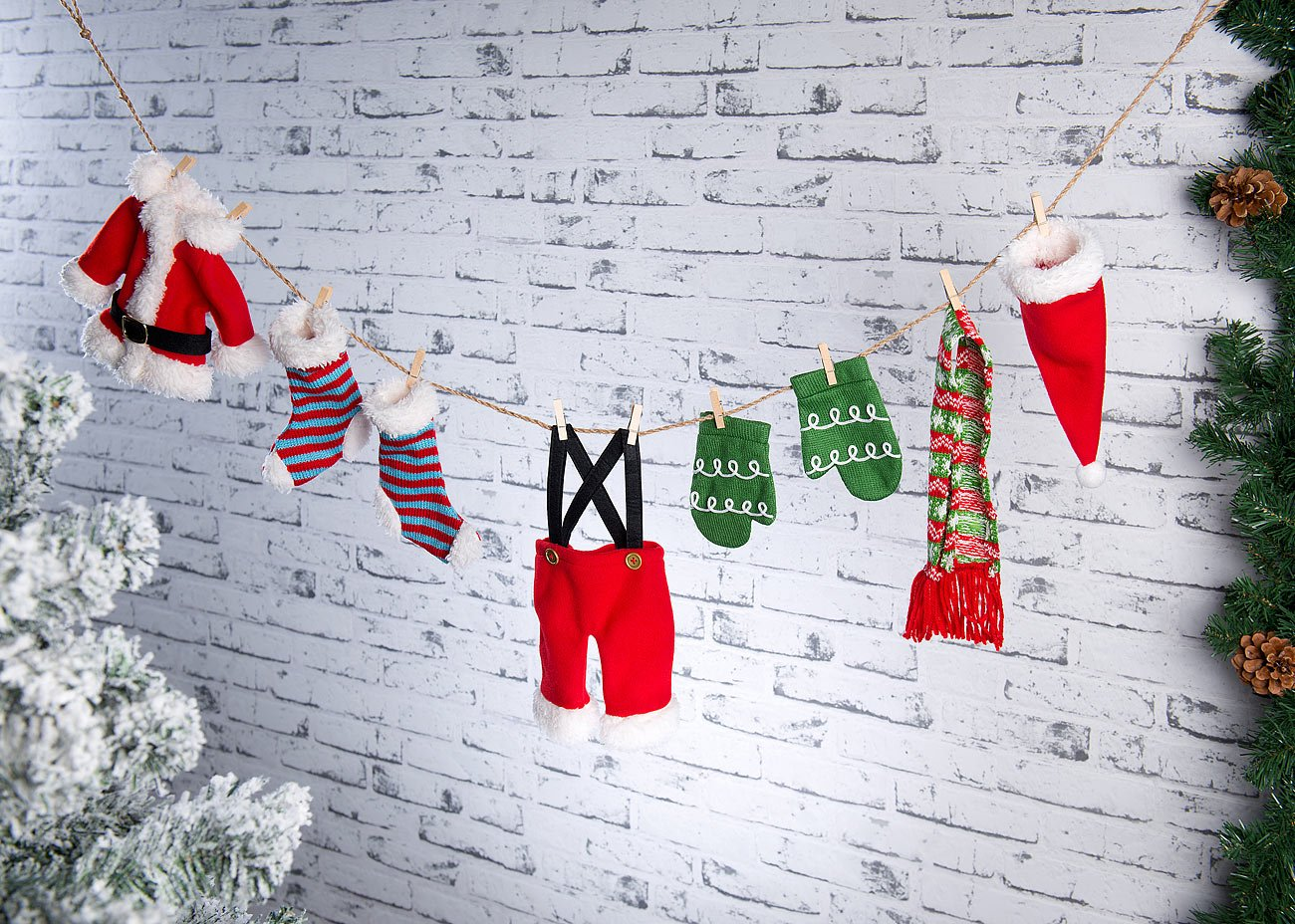 infactory-Weihnachtsdekos-Weihnachts-Deko-Girlande-Weihnachtsmann-Wscheleine-140-cm-Winterdekos