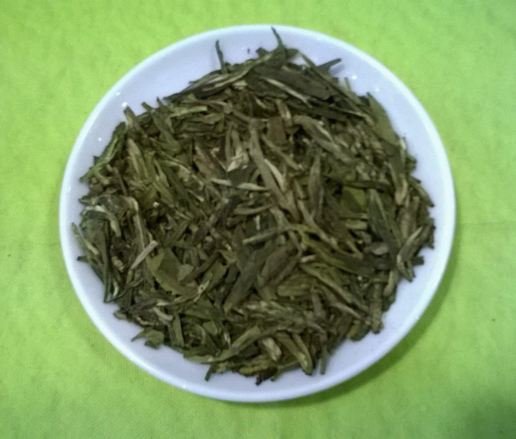 Weier-Tee-Xue-Long-100-Gramm-loser-Tee