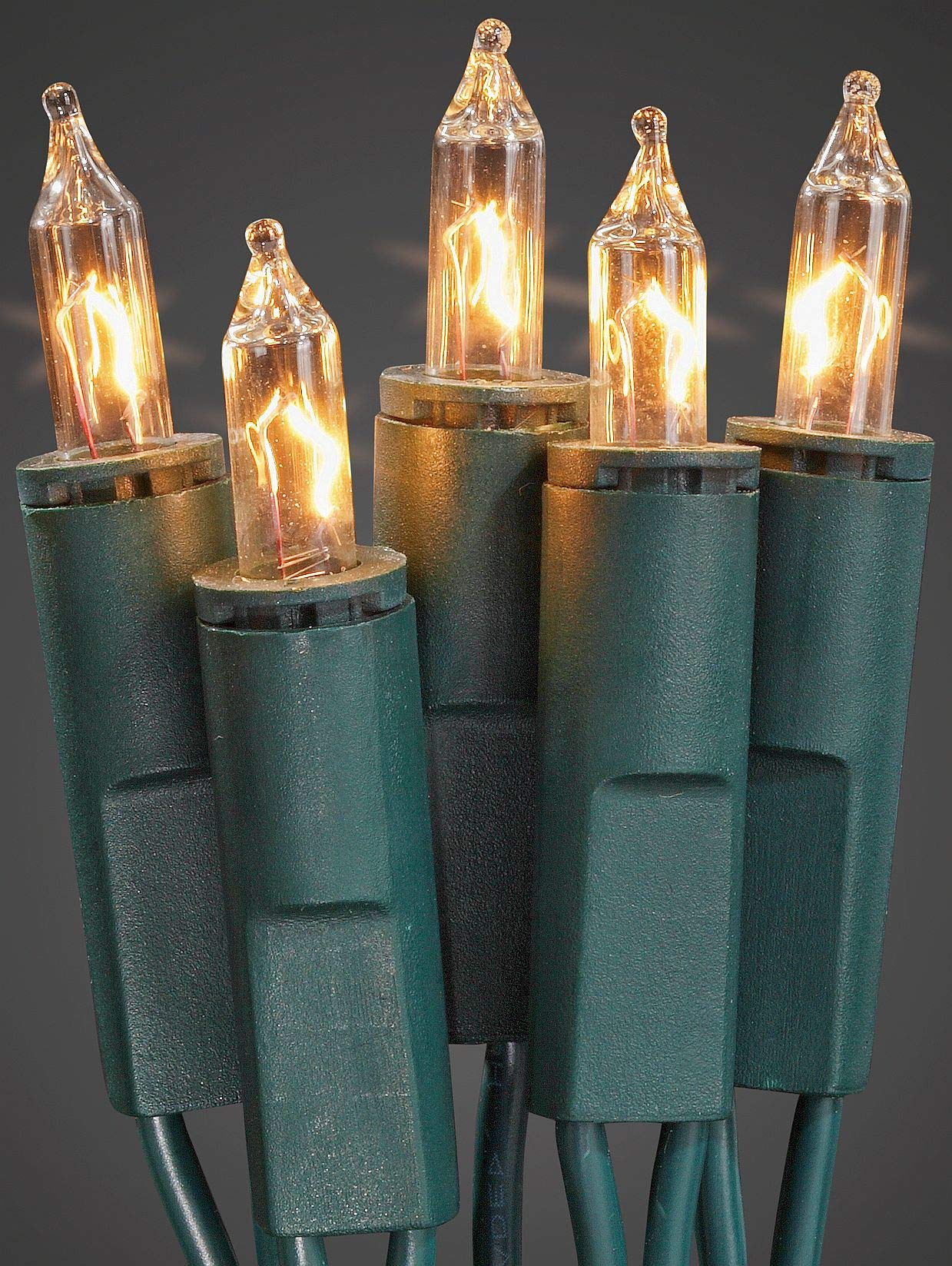 Hellum-833515-35-tlg-Minikette-grnklar-Innenbeleuchtung-Fassungsabstand-15-cm-Steckerzuleitung-2x15m-Pisellokerze-mit-Stecksockel-GL-810m-Inkl-Ersatzlmpchen