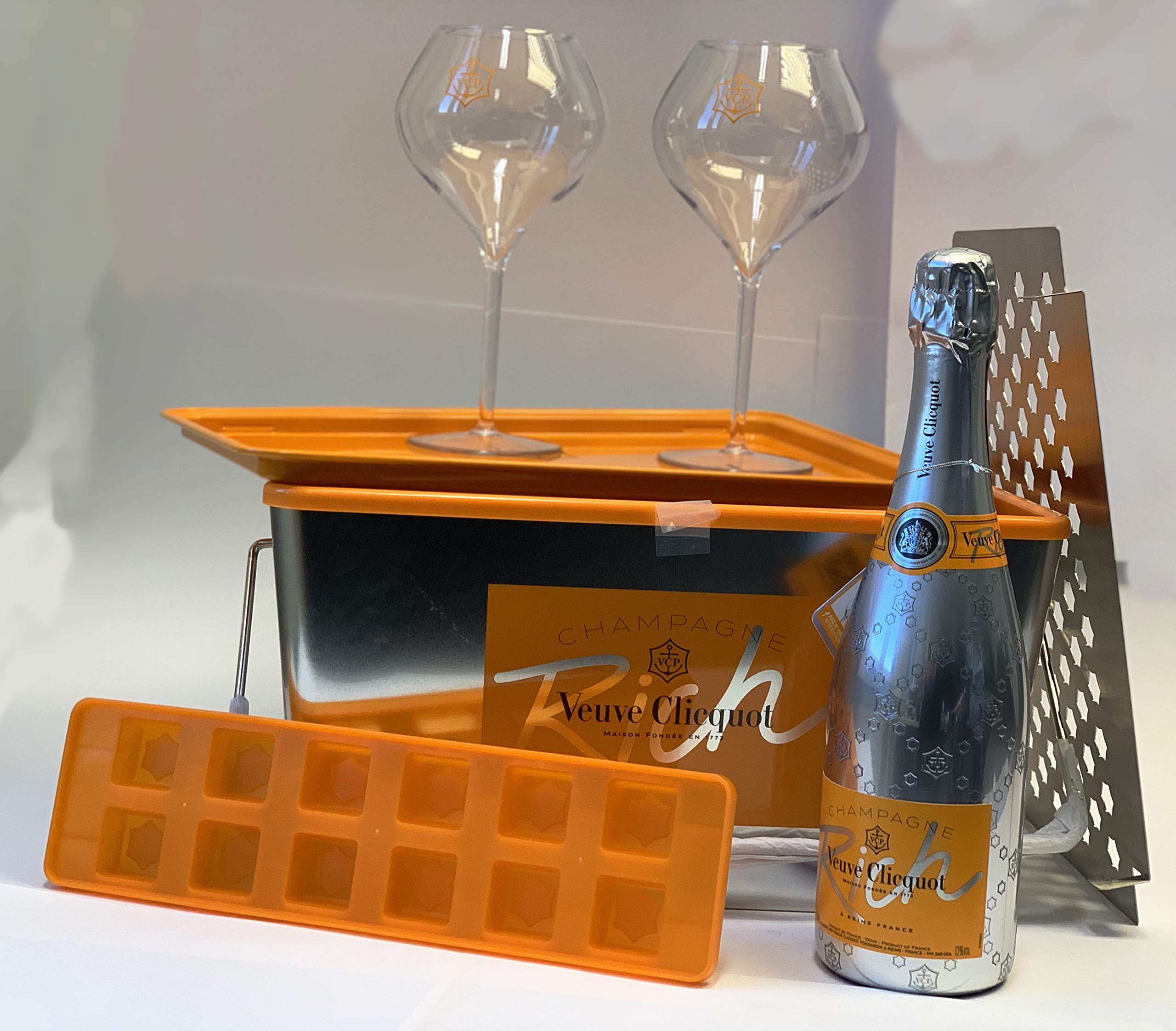 Veuve-Clicquot-Do-Rich-Yourself-Picknick-Set-075l-Champagner-Glser-12-Vol
