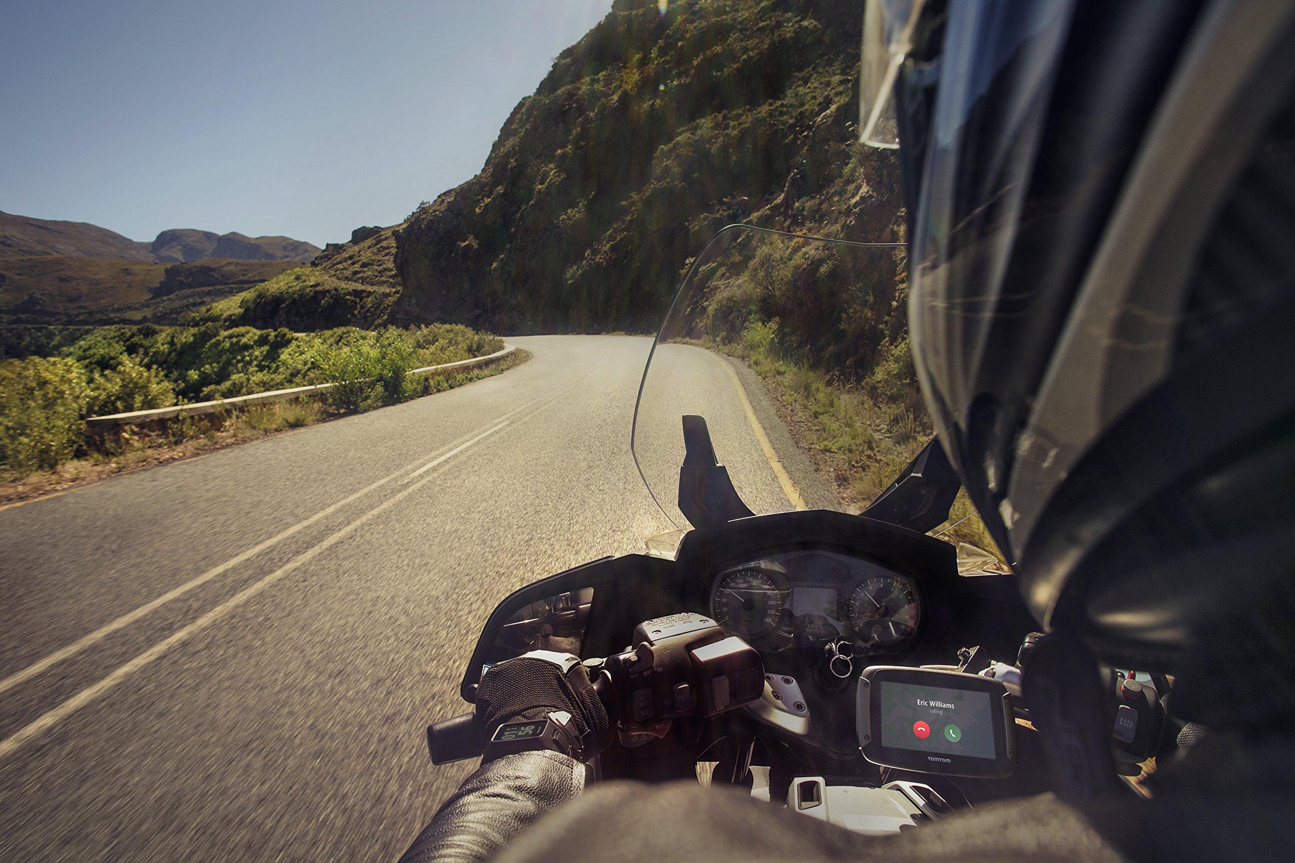TomTom-Rider-420-Navigationsgert-Cleveres-Display-Karten-Updates-Europa-48-Lnder-Traffic-Update-Radarkameras-Freisprechen-schwarz